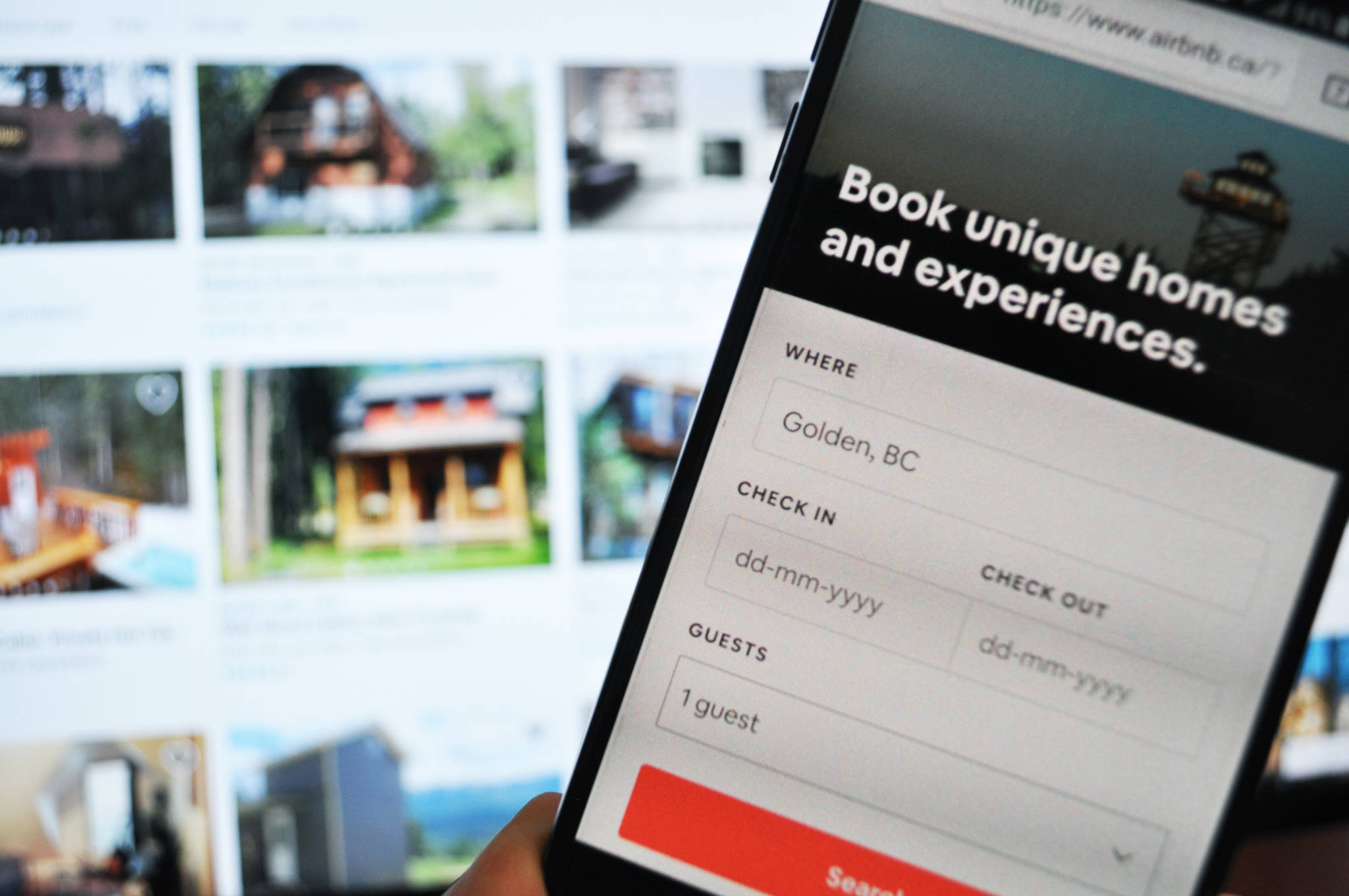 B.C. cities want mandated business licences for short-term rentals